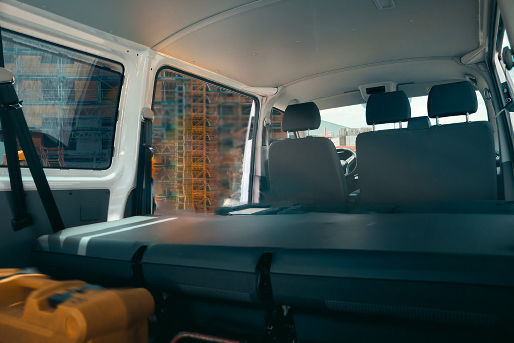VW T6 Kombi - Reclinable benches
