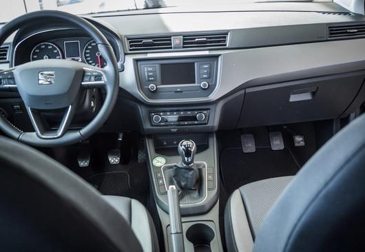 louer une voiture d 39 auto cole double commande europcar. Black Bedroom Furniture Sets. Home Design Ideas